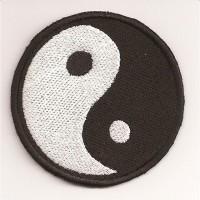 Parche bordado YING YANG - 6,2cm x 6,2cm