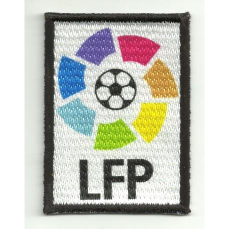 Parche bordado y textil LFP negro 5cm x 7cm