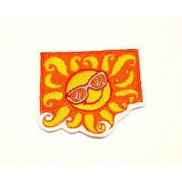 SUN WITH SUNGLASSES embroidered patch 5cm x 4,5cm