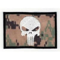 Embroidered patch FLAG WOODLAND DIGITAL WHITE SKULL (The punisher) 7,5cm x 5cm