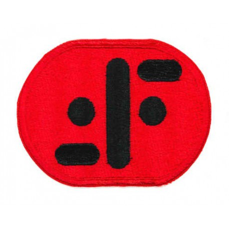 Parche bordado V rojo 8cm